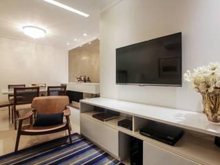 Sala de Estar: Salas de estar  por Arina Araujo Arquitetura e Interiores