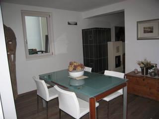 CASA SOLE: Sala da pranzo in stile  di STUDIO ABACUS di BOTTEON arch. PIER PAOLO