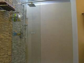 Bathroom by Arquitectos Interiores, Modern