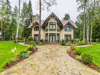 Загородный дом в Комарово: Дома в . Автор – Fusion Design, Эклектичный