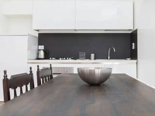 Casa Vacanze BB1 LABORATORIO DI ARCHITETTURA & DESIGN Sala da pranzo moderna Bianco