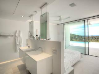 Casa Oasis: Baños de estilo  de MG&AG.ARQUITECTOS