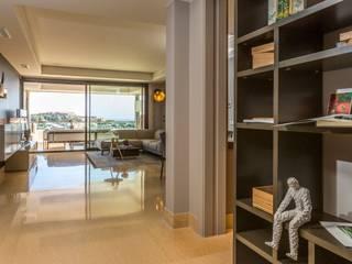XLC Pasillos, vestíbulos y escaleras modernos
