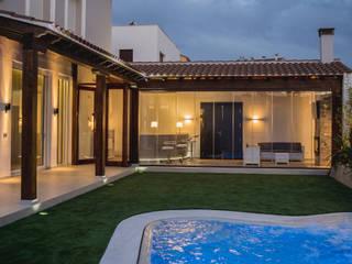 Pool by SENZA ESPACIOS, Mediterranean