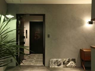 Corridor & hallway by 株式会社CAPD