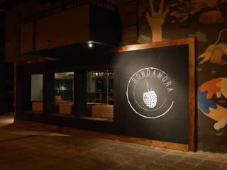 Bar Rondamora Bares y clubs de estilo ecléctico de PSV Arquitectura y Diseño Ecléctico