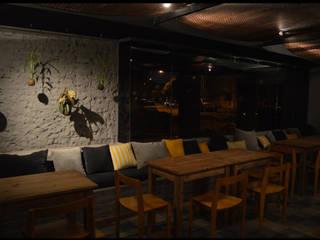 Bar Rondamora Bares y clubs de estilo rústico de PSV Arquitectura y Diseño Rústico