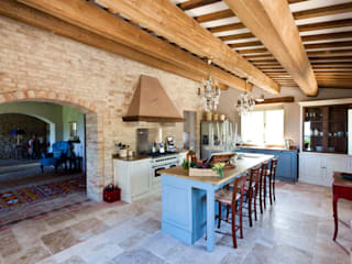 Ing. Vitale Grisostomi Travaglini Rustic style kitchen