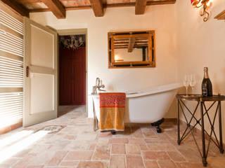 Baños de estilo  por Ing. Vitale Grisostomi Travaglini