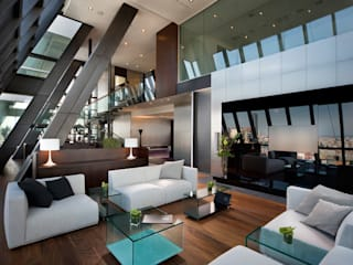 Modern houses by CCT INVESTMENTS Modern