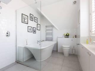 Broadgates Road Nowoczesna łazienka od Granit Architects Nowoczesny