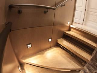 Floating tread staircase by Railing London Ltd Сучасний
