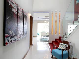 الممر الحديث، المدخل و الدرج من arketipo-taller de arquitectura حداثي