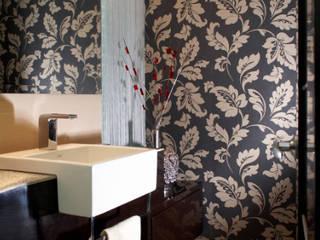 Baños de estilo  por arketipo-taller de arquitectura