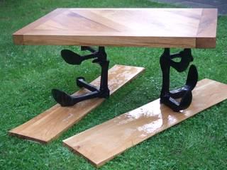 Möbel, Fachwerk Eiche, massivholz Möbel, Esstisch, Landhausstil, Recycled Holz, Rustikal Eiche:   von Chippie