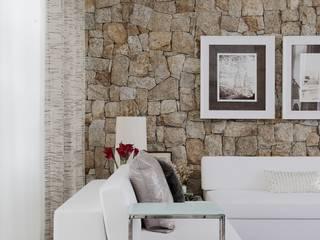 Moderne Wohnzimmer von RODRIGO FONSECA | ARQUITETURA E INTERIORES Modern