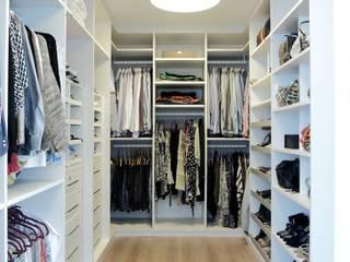 modern Dressing room by criarprojetos | ARQUITETURA . INTERIORES . ENGENHARIA