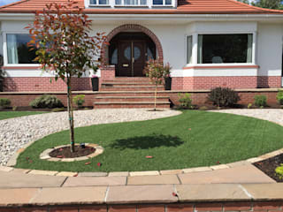 A Yin Yang front garden: minimalistic Garden by Anne Macfie Garden Design