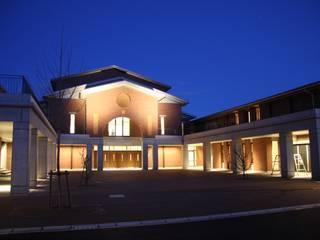 同志社中学校・高等学校(京都) モダンな 家 の 株式会社ライティングM モダン