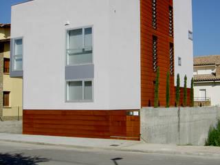 Vista principal: Casas de estilo  de Comas-Pont Arquitectes slp