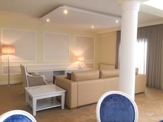 Гостиная в . Автор – Stoc Casa Interiores, Классический