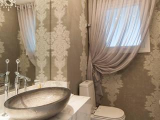 Apartamento Lourdes - Caxias do Sul: Banheiros  por Fabris Franco Arquitetura,Clássico