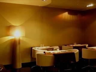Salas de jantar modernas por Candicova Indústria de Candeeiros e Abat-jours Lda. Moderno