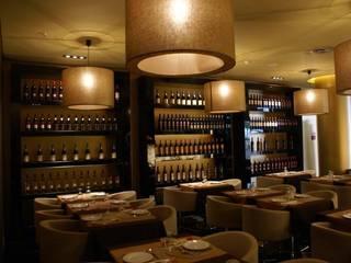 Modern dining room by Candicova Indústria de Candeeiros e Abat-jours Lda. Modern