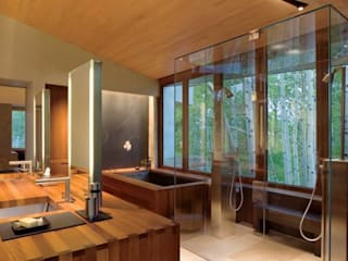 Klassische Badezimmer von Arkiurbana Klassisch