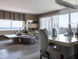 Piso con magníficas vistas en Poblenou, Bacelona. INEDIT INTERIORISTAS Salones de estilo ecléctico