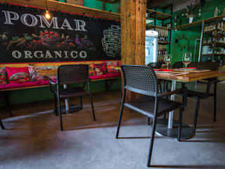 Restaurante Pomar Orgânico, Brasile Sala da pranzo eclettica di nardi garden Eclettico