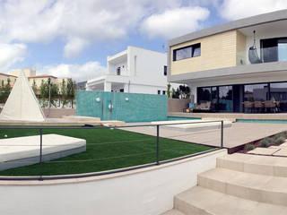 Casas estilo moderno: ideas, arquitectura e imágenes de ABestudio de Arquitectura Moderno
