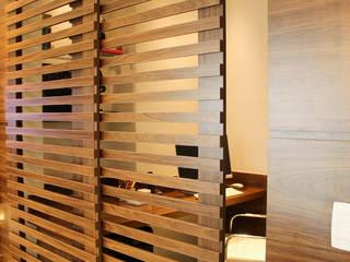 Mediterrane Arbeitszimmer von Sandro Kawamura Designer de Interiores Mediterran