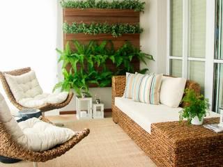 Balcones y terrazas rurales de Sandro Kawamura Designer de Interiores Rural