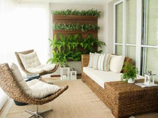 Rustikaler Balkon, Veranda & Terrasse von Sandro Kawamura Designer de Interiores Rustikal