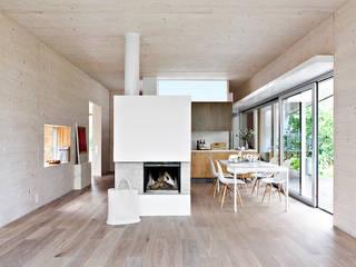 DANKE Architekten:  tarz Yemek Odası