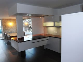 Home 7: modern  von Küchenklick,Modern