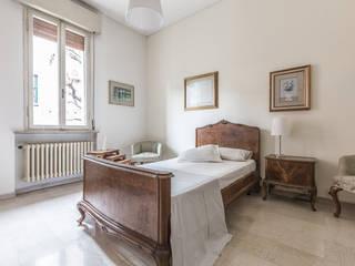 La casa delle opportunità Camera da letto in stile classico di Bologna Home Staging Classico