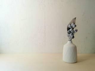 一輪挿し: 水谷美樹が手掛けた折衷的なです。,オリジナル