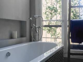 Salle de bains: Salle de bains de style  par Décaum
