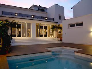Pool by SENZA ESPACIOS, Modern