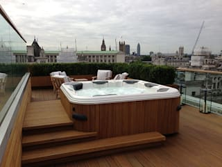 Roof top Garden Design and Build, Whitehall, London Spa moderne par Decorum . London Moderne