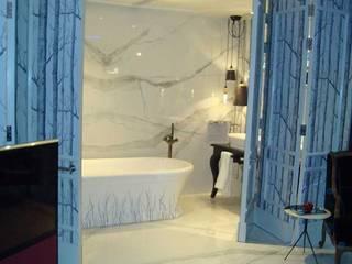 Harrods Luxury Hotel Suite Featuring Porcel-Thin Tiles Porcel-Thin Salle de bainDécorations Porcelaine Blanc