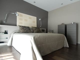 Classic style bedroom by Ylla Jorrin Bernaus S.L Classic