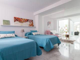 Modern style bedroom by Pablo Cousinou Modern
