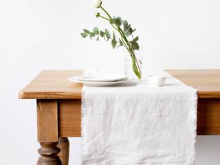 Vintage Tischläufer mit Fransen aus 100% Leinen, Weiß:   von Natur Leinen     (Linen Tales Deutschland)