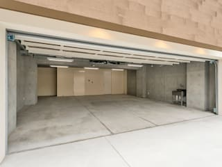 Garage/shed by Egawa Architectural Studio
