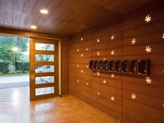 Marble Arch Modern corridor, hallway & stairs by Morphogenesis Modern