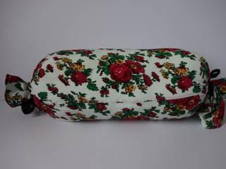 Poduszki dekoracyjne wałki Wiejski salon od Styl i Wnętrze Wiejski