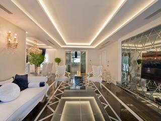 VRLWORKS – Ümit Aslan Villası Kemer: modern tarz Oturma Odası